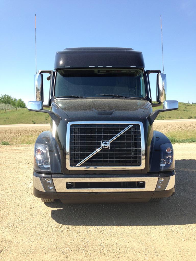 2016 Volvo Black VNL 730 - GN929794 - Best Truck Stop Service